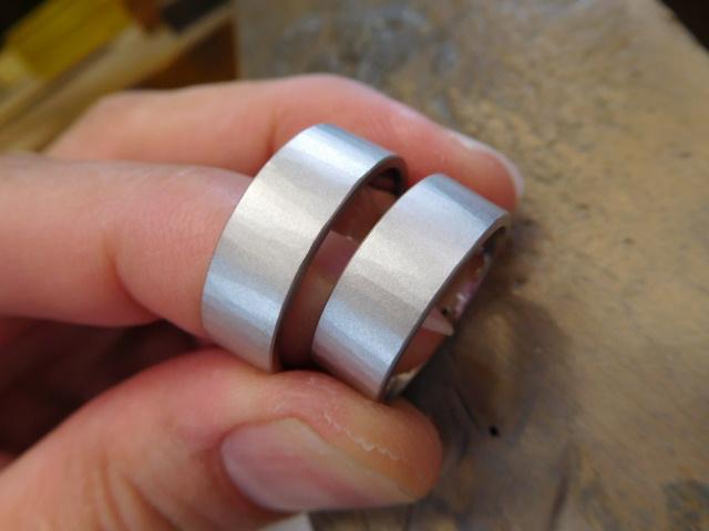 鍛造 結婚指輪 プラチナ