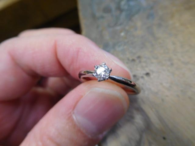 婚約指輪 6本爪 ダイヤ