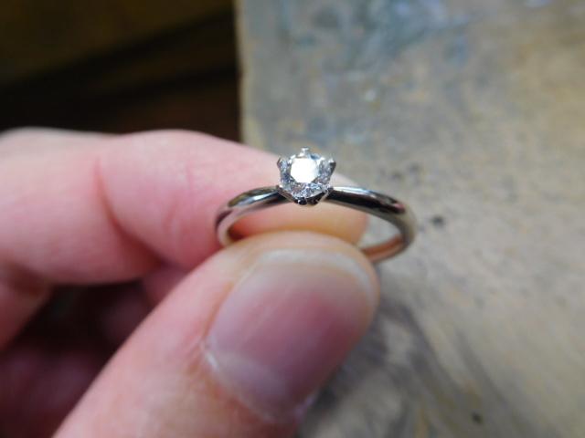 婚約指輪 ダイヤ シンプル