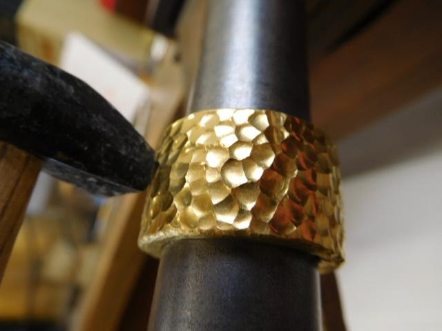 純金 太い 指輪