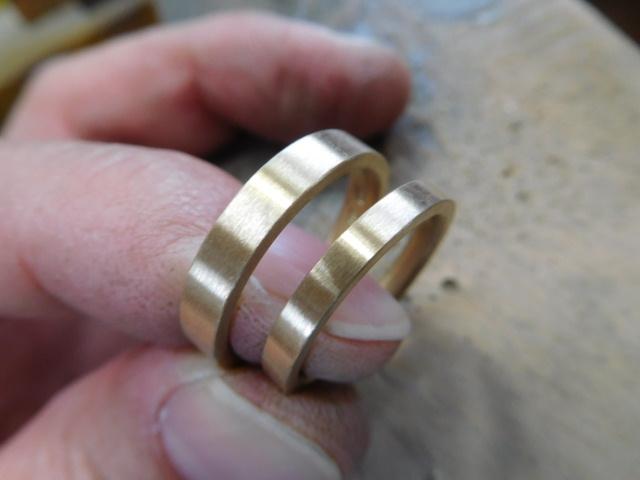 結婚指輪 ヘアライン ゴールド