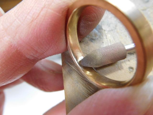 指輪 ゴールド 内甲丸