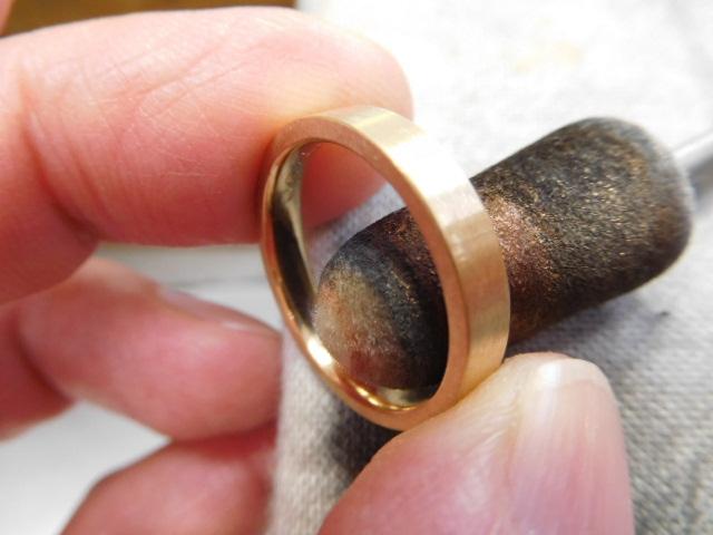 内甲丸 指輪 ゴールド