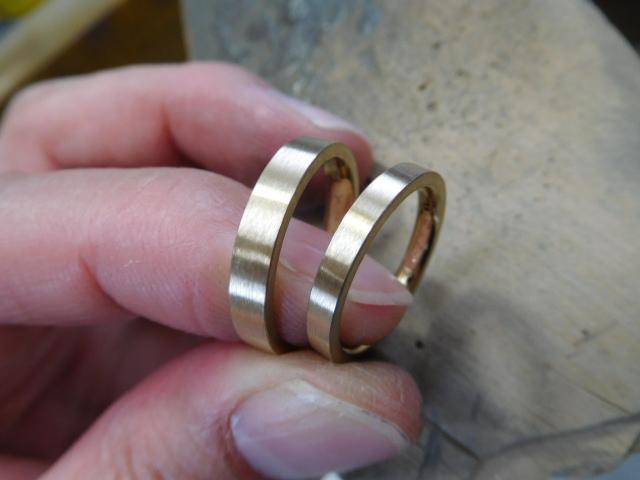 結婚指輪 ヘアライン