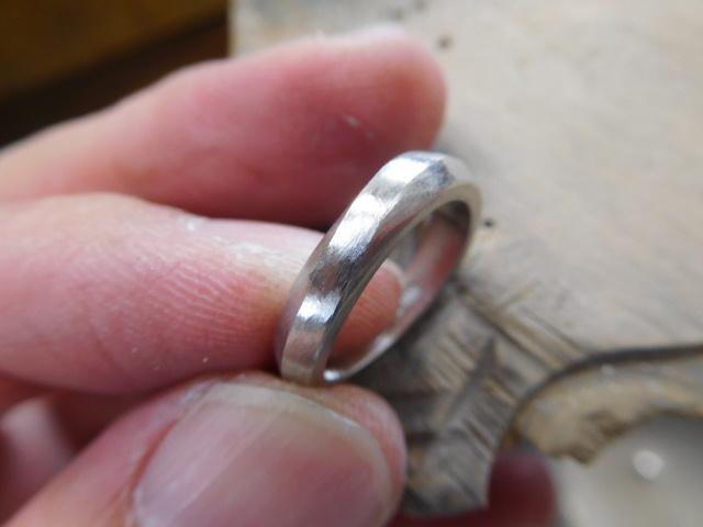 指輪 ウェーブ やり方